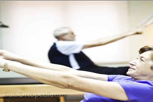 Cómo prevenir las fracturas por osteoporosis